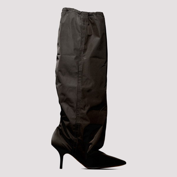 Onyx knee-high boots