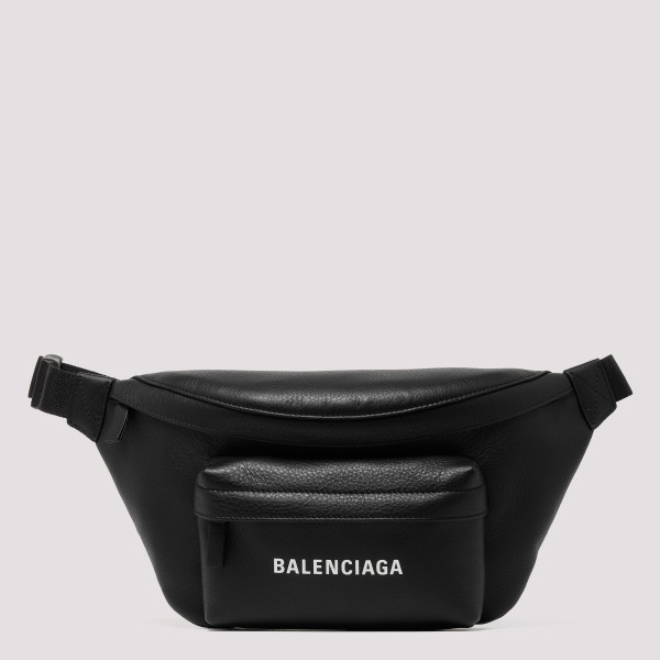 Everyday belt bag with logo