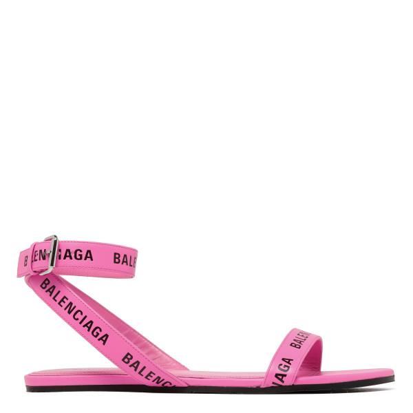 Pink round flat sandals