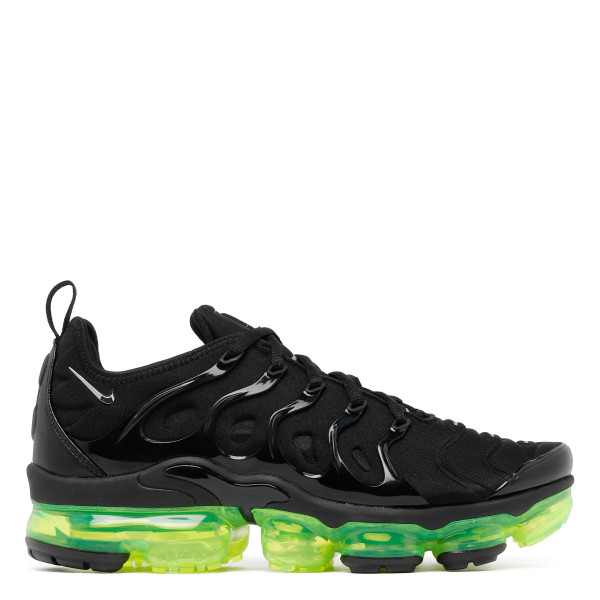 Air Vapormax plus black sneakers