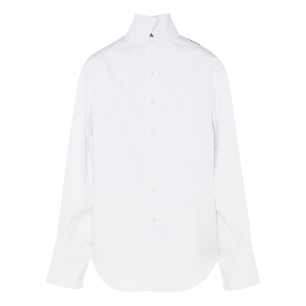 White pulled shirt