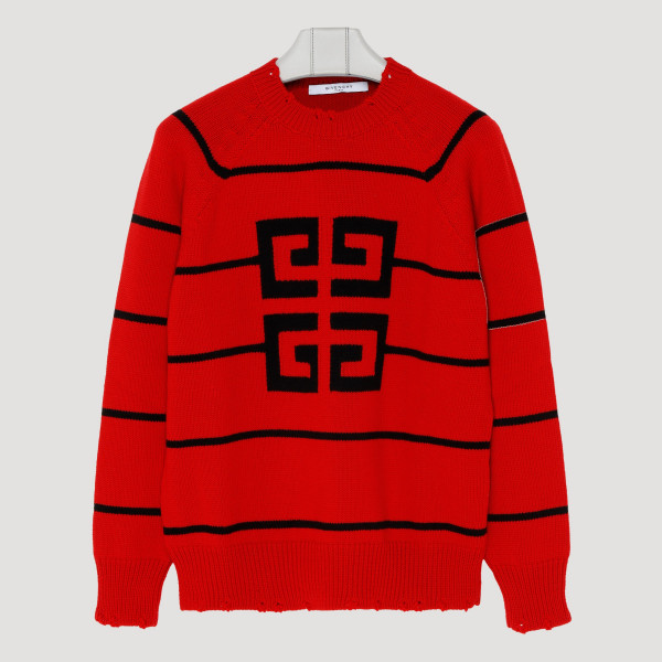 Red sweater with 4G logo