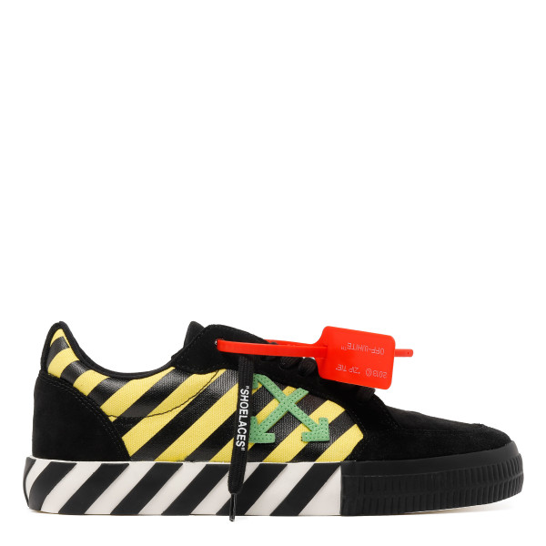 Black and yellow low vulcanized sneakers