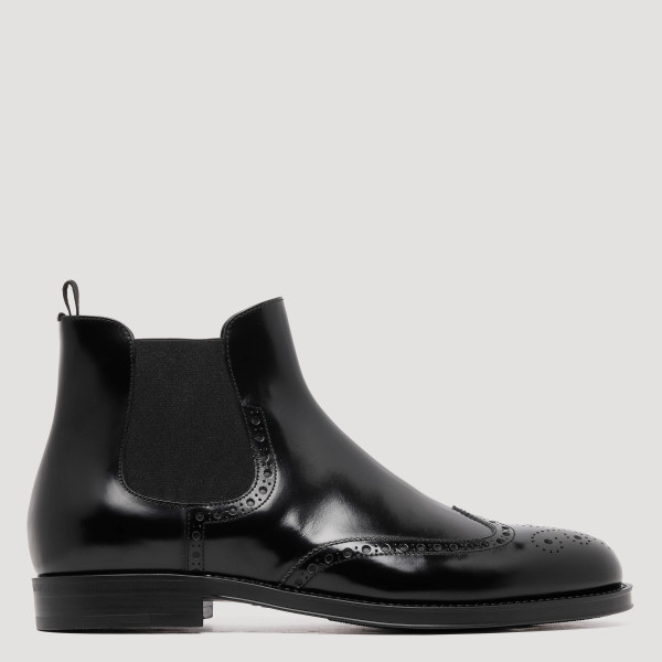 Wingtip broguing Beatles boots