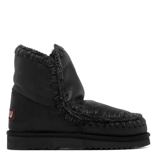 Eskimo 18 cracked black ankle boots