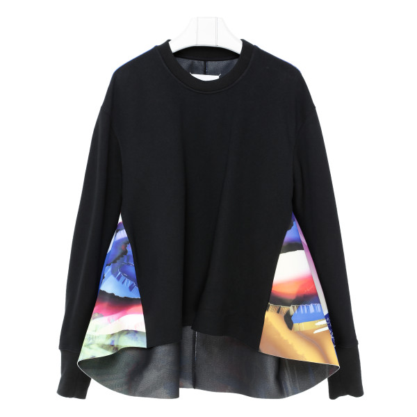 Black sweatshirt with contrasting panels