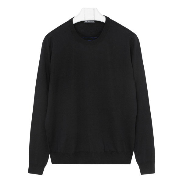 BB black sweater with logo
