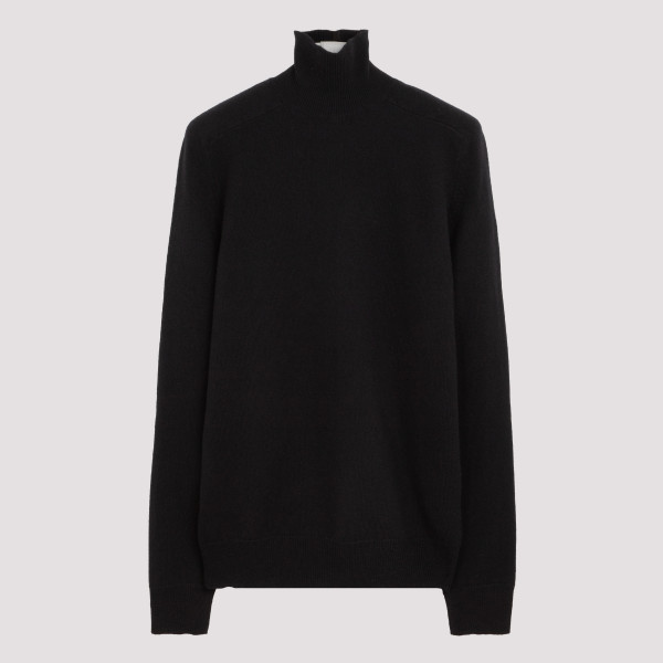 Black wool and cashmere...
