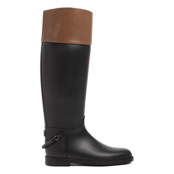 Stirrup-strap riding boots