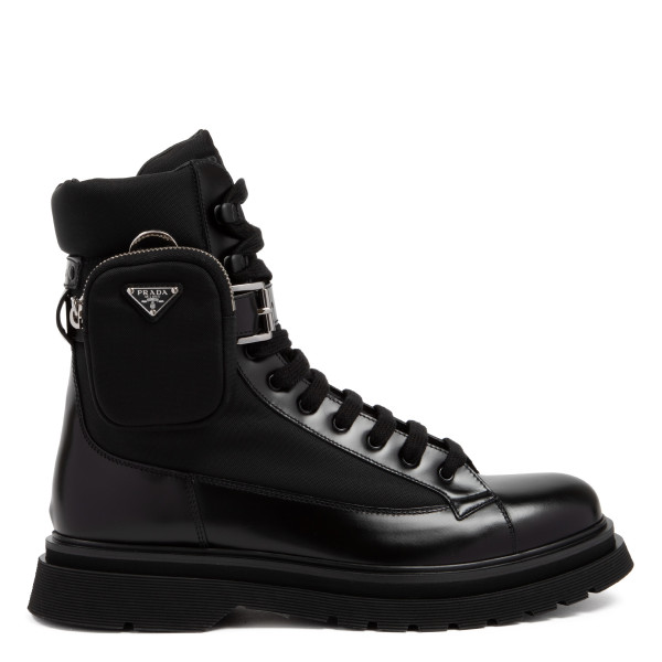 Black leather boots with pocket