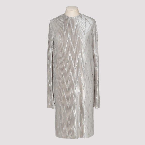 Light gray zig-zag pleated...