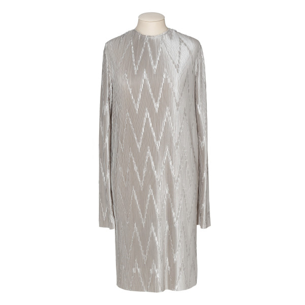 Light gray zig-zag pleated short dress