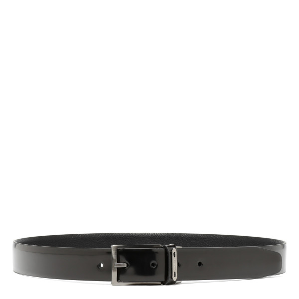 Reversible dual material belt