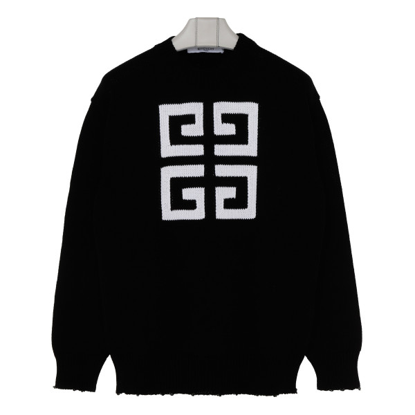 4 G black sweater